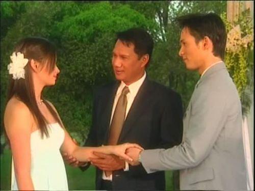 Ловушка любви  /  Leh Ratee (A Woman's Trickery)  (Таиланд, 2004г., 12 серий) 330c0d80979275582cdf9e9c1dbe4323