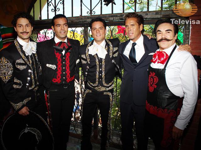 Роберто Палазуэлос / Roberto Palazuelos - Страница 2 303c99355860bb733fb2dca2a35d907f