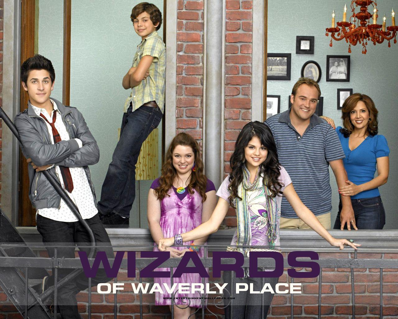 Wizards Of Waverly Place Vs Hannah Montana Afeabb9c20b9eb85bc0f2de309118ea1