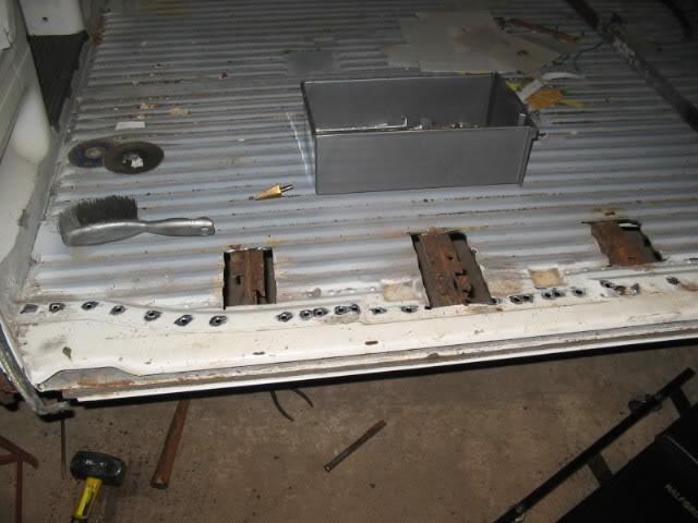 The 72 custom bay called hank - Page 3 Floorneedingrepairs