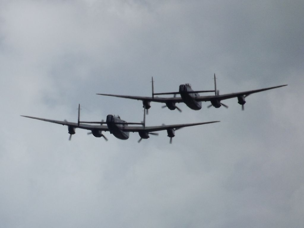 Seeing Double Lancs2_zps4bbc9325