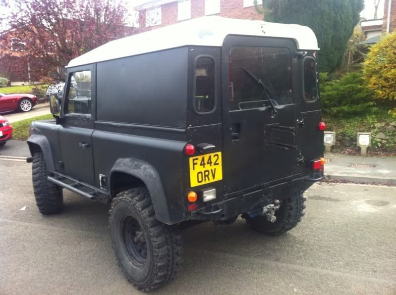 Defender 90 with Defender 200tdi 12 Months MOT/INSAS/LIFT 1bd40d15