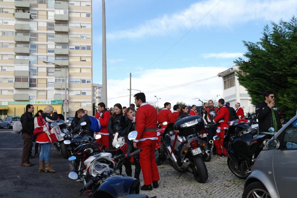 [CRÓNICA] Festa / Desfile de Natal 2014 - CBRPortugal.com - Página 5 SAM_9380_zpsf6a1c571