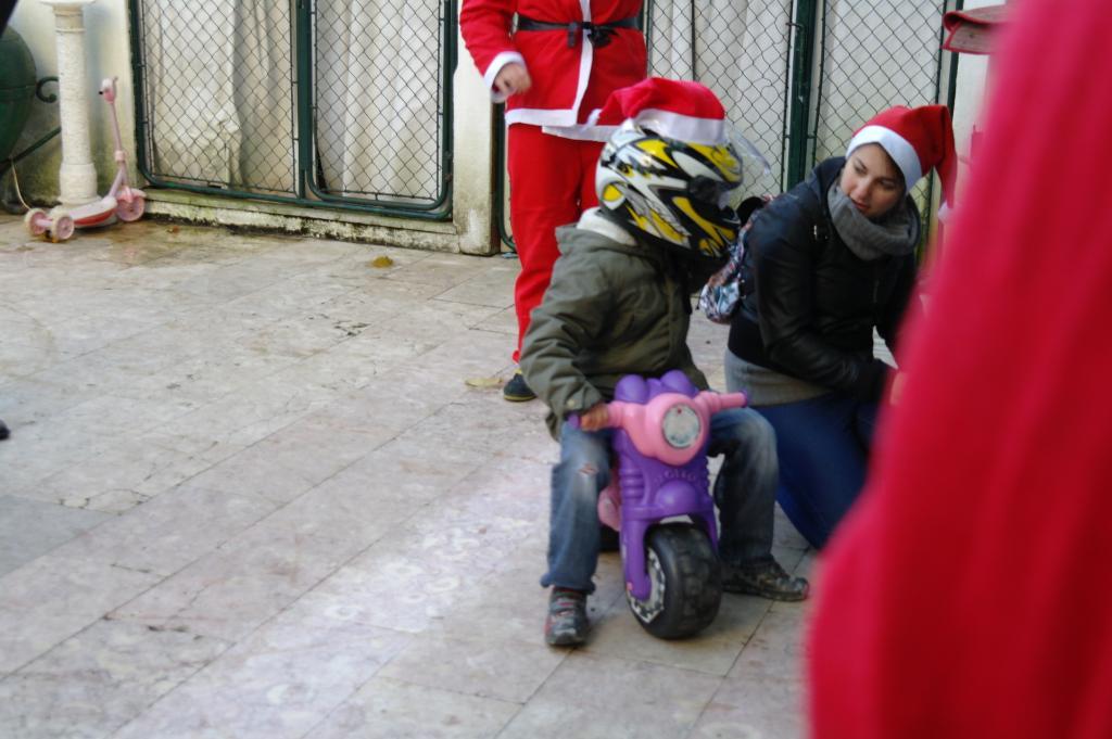 [CRÓNICA] Festa / Desfile de Natal 2014 - CBRPortugal.com - Página 5 SAM_9406_zps8356e937