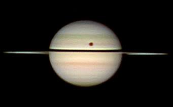 Saturno se acerca a su equinoccio. SaturnTitanshadow