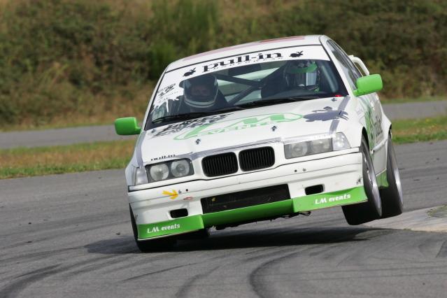 Soyons sérieux et ręalistes, projet BMW E30 - Page 7 IU7F2921