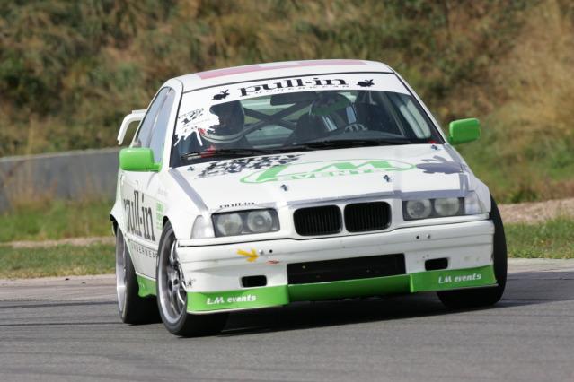 Soyons sérieux et ręalistes, projet BMW E30 - Page 7 IU7F3140