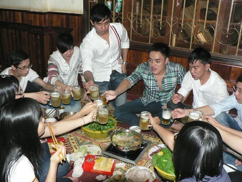 Ăn nhậu nhà Phú Dâm mùng 4 Tết Tân Mão P1150108