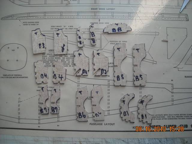 Construçao Piper Super Cub 95 em balsa.Video lenha DSCN0248-1