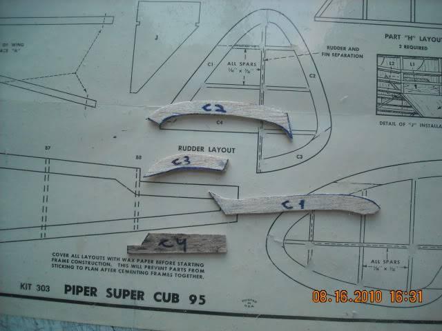 Construçao Piper Super Cub 95 em balsa.Video lenha DSCN0250-1