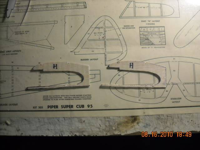 Construçao Piper Super Cub 95 em balsa.Video lenha DSCN0253-1