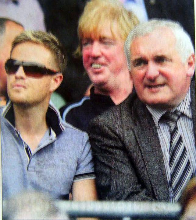 Nicky con Bertie en un partido de Dublín Nickybertiedublinmatch28june2009