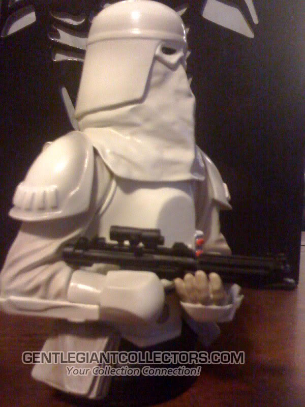 Snowtrooper Mini Bust Snow1