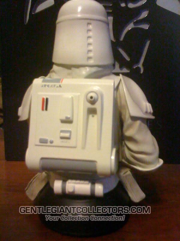 Snowtrooper Mini Bust Snow2