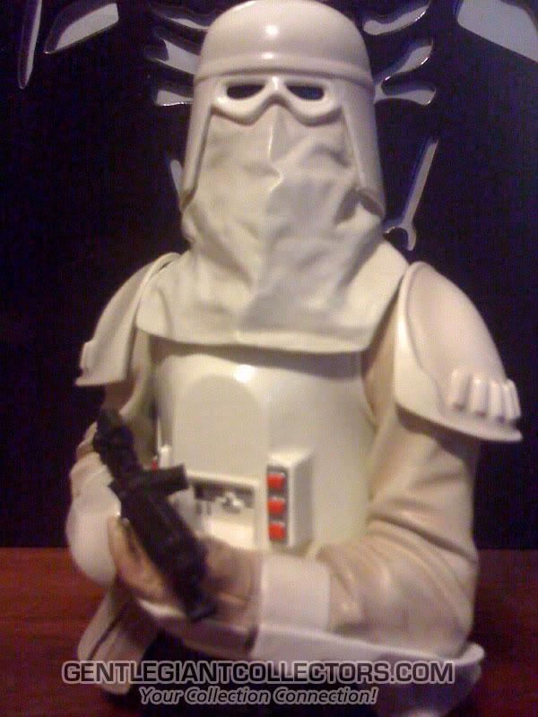 Snowtrooper Mini Bust Snow4