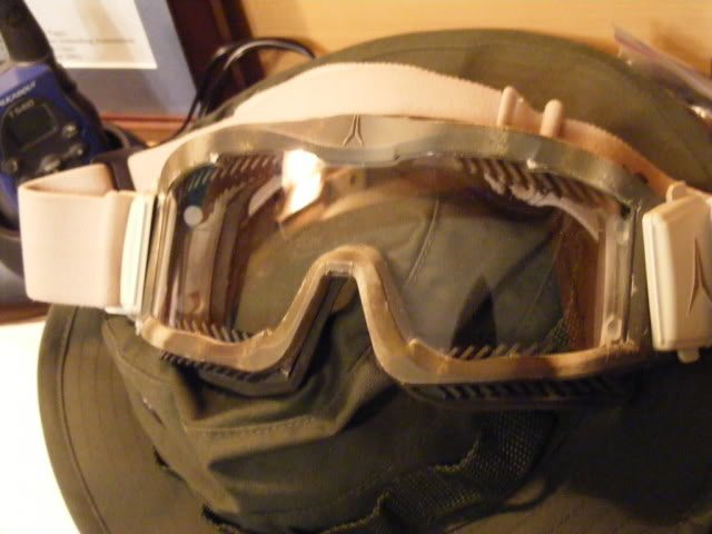 Airsoft Equipment - Page 3 2008_11240006-1