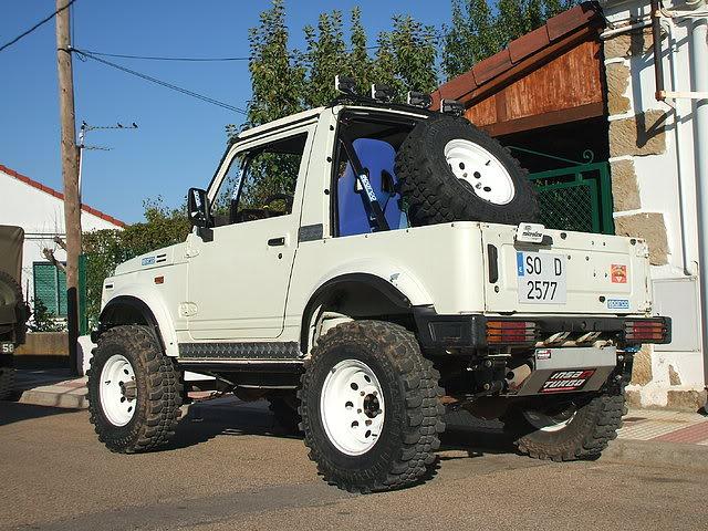 Un Suzuki bien cargado 12dcf327