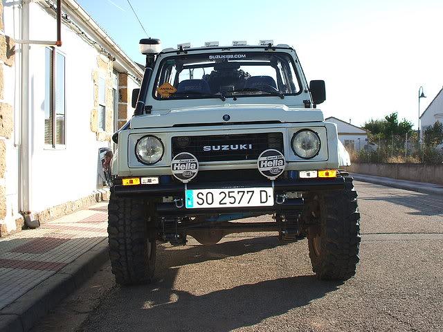 Un Suzuki bien cargado 1d128305