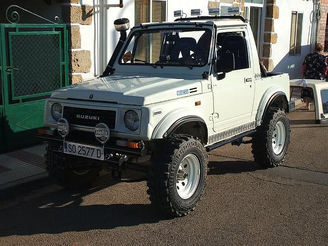 Un Suzuki bien cargado 6e9567a2