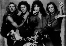 Gitarnya Eddie Van Halen dari masa ke masa!! (With PIC) Wacf