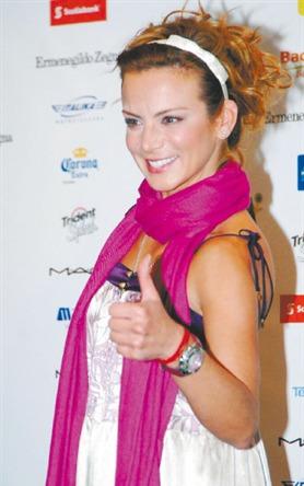 Silvia Navarro // სილვია ნავარო #3 - Page 19 D8eeb133511fd743141339bd4430ec19