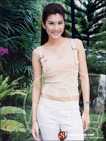 Ловушка любви  /  Leh Ratee (A Woman's Trickery)  (Таиланд, 2004г., 12 серий) - Страница 2 Bf48ab063f0565237ed08cf15e3c5ff4