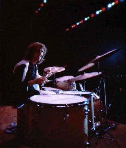 Bakersfield (Civic Auditorium) : 26 octobre 1968  F8a063d7aceedc04c5f24172ed7b317b