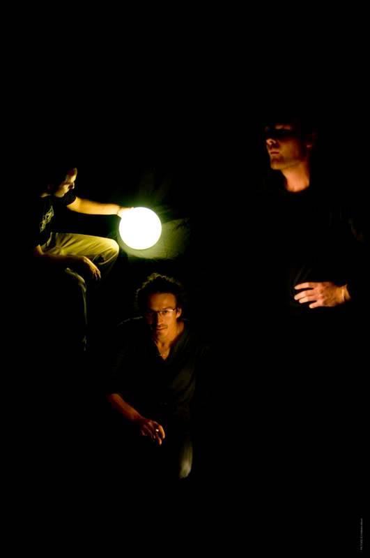 Emergence en scène #9 Magnet_lampe