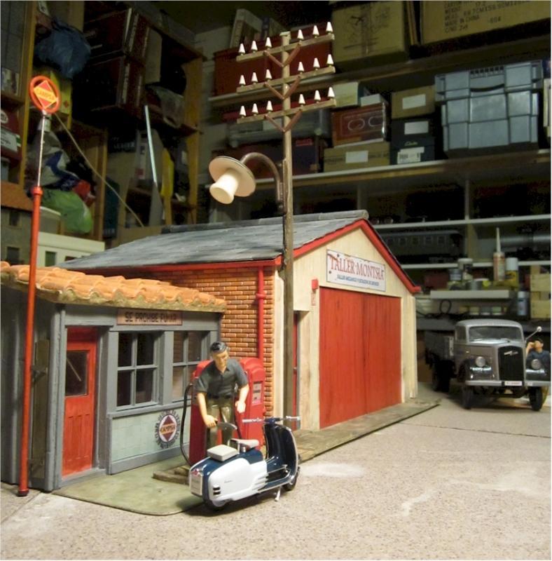 La construcció d'una estació utilitzant PVC Foamboard - Página 2 Garage_general
