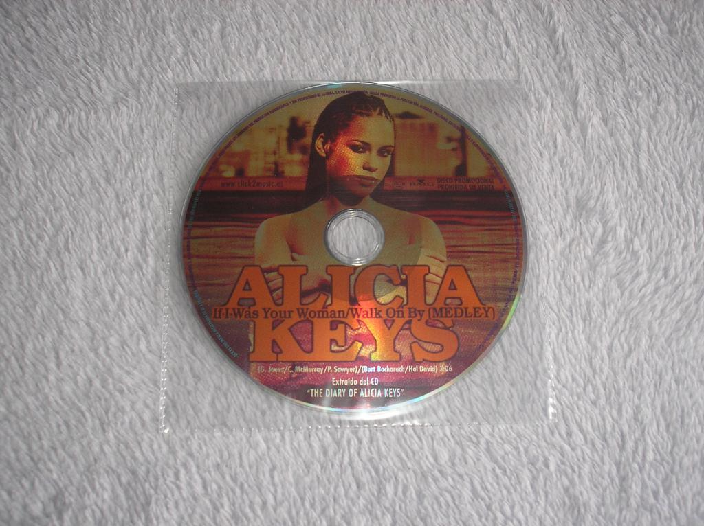 Tu colección de Alicia Keys - Página 15 P1010064_zps64e1e5e8
