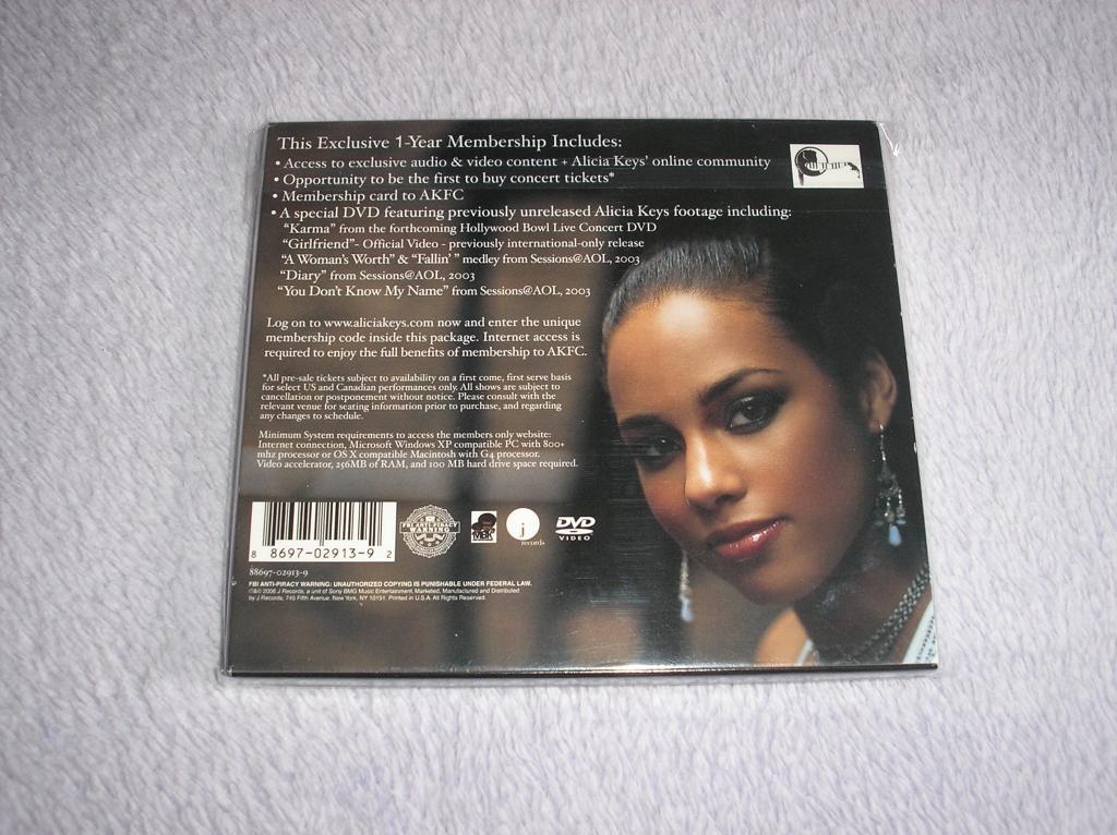 Tu colección de Alicia Keys - Página 15 P1010098_zpsc1d8f07b
