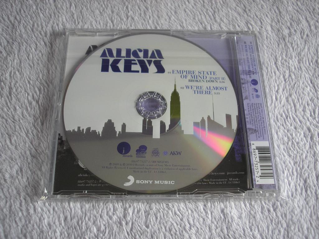 Tu colección de Alicia Keys - Página 15 P1010181_zps565b1a51