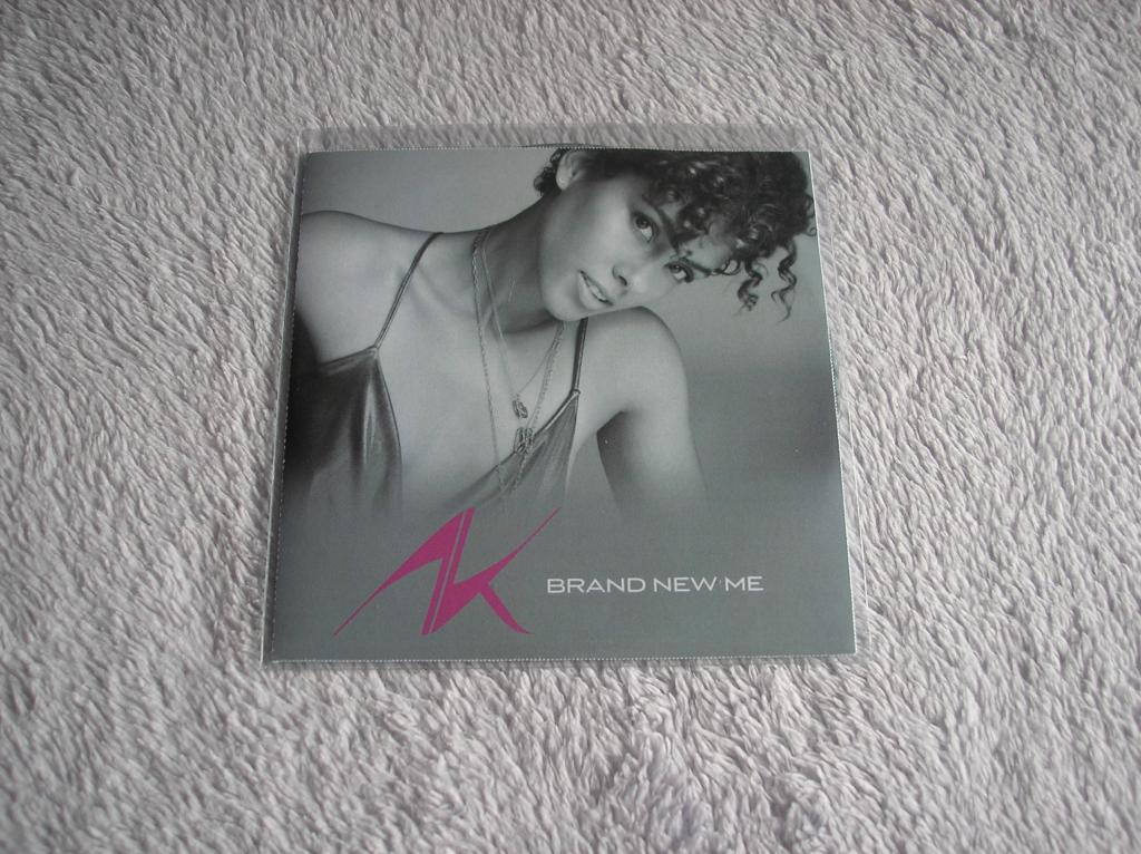 Tu colección de Alicia Keys - Página 15 P1010199_zpsd24a0853