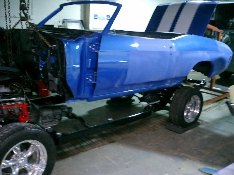 Some picks of my dads 71 Chevelle. Blue71rag014