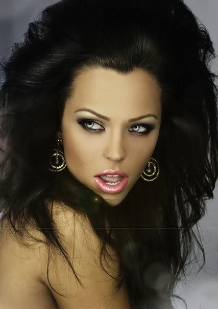 The Universal Goddess of Slovak Rep - Lucia Senasiova now 2640_1109657254314_1013331835_30368