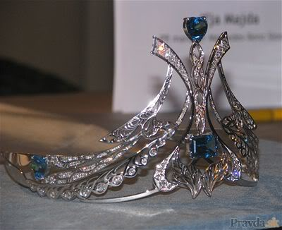 DIC to design new Miss Universe crown P202a00e5_missunive_024
