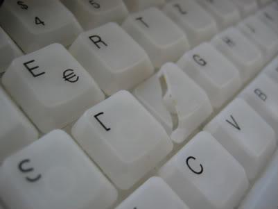 """broken """"f"""" key IMG_0497"""