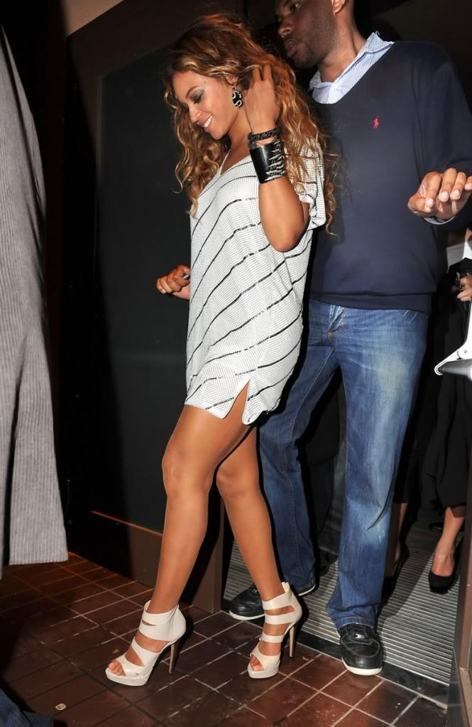 Beyoncé > Fotos raras, antiguas, eras anteriores... BeyoncePantyUpskirtLimoPictureswwwGutterUncensoredwwwbeyonce-upskirt-09
