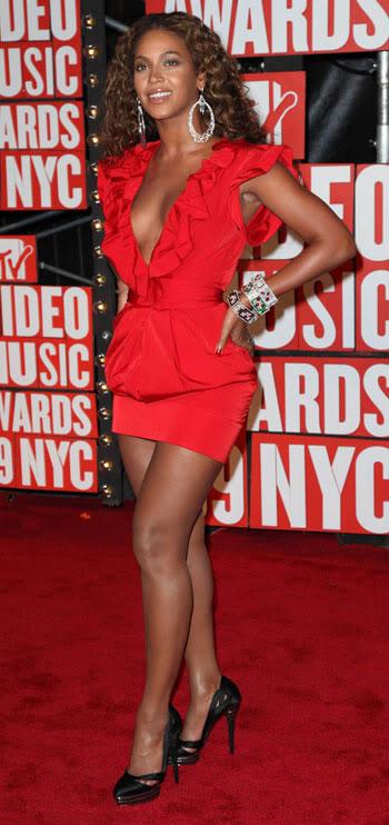 Beyoncé > Fotos raras, antiguas, eras anteriores... Beyonce-fitness-video-game