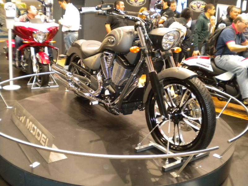 EICMA 2011,  Vu qu'il y a quelques motards ici ... version II ..  DSCN1454