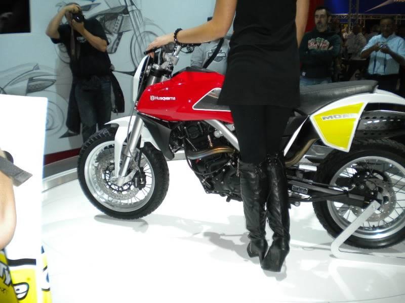 EICMA 2011,  Vu qu'il y a quelques motards ici ... version II ..  DSCN1468