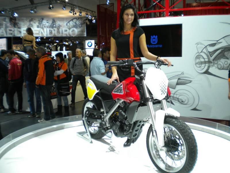 EICMA 2011,  Vu qu'il y a quelques motards ici ... version II ..  DSCN1469