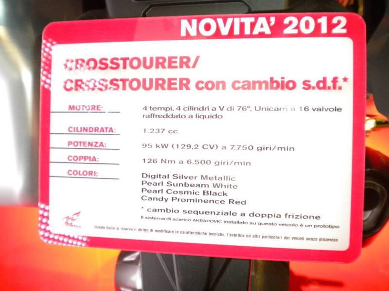 EICMA 2011,  Vu qu'il y a quelques motards ici ... version II ..  DSCN1613