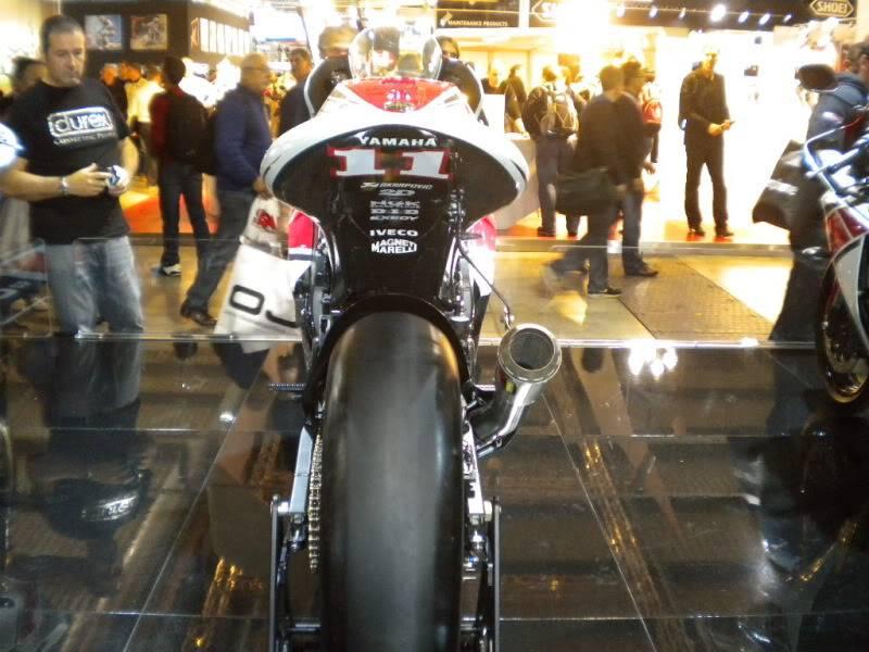 EICMA 2011,  Vu qu'il y a quelques motards ici ... version II ..  DSCN1645