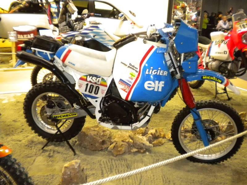 EICMA 2011,  Vu qu'il y a quelques motards ici ... version II ..  DSCN1705