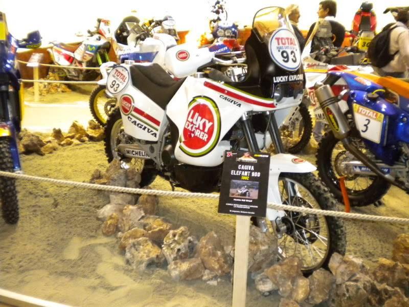 EICMA 2011,  Vu qu'il y a quelques motards ici ... version II ..  DSCN1707