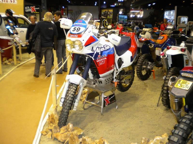 EICMA 2011,  Vu qu'il y a quelques motards ici ... version II ..  DSCN1709