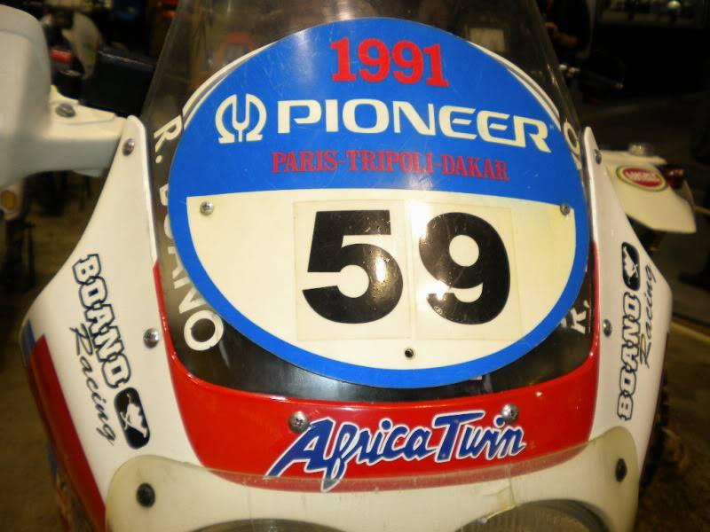 EICMA 2011,  Vu qu'il y a quelques motards ici ... version II ..  DSCN1710