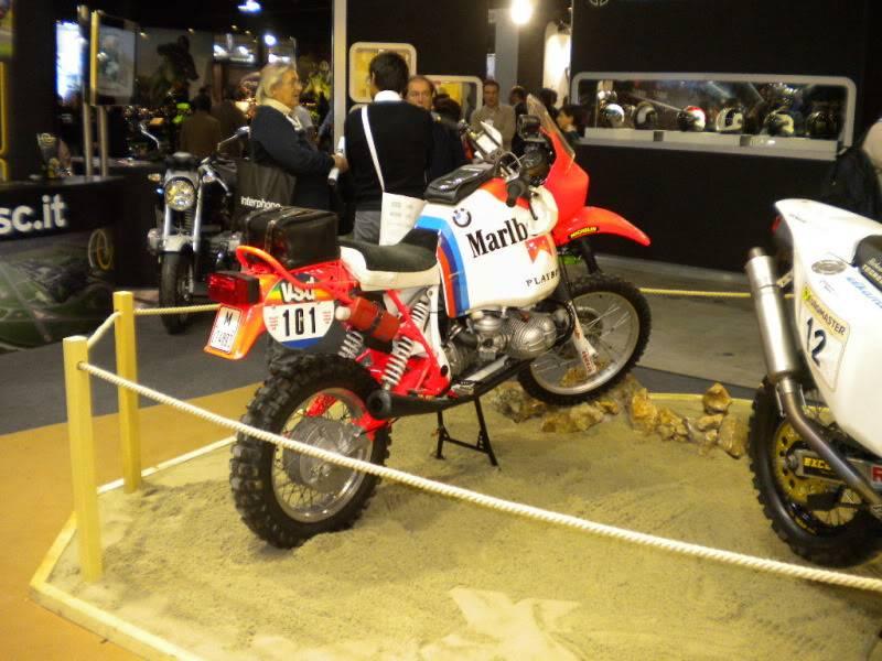 EICMA 2011,  Vu qu'il y a quelques motards ici ... version II ..  DSCN1715