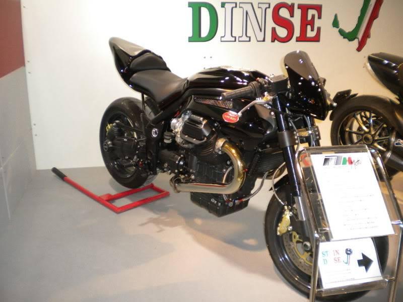 EICMA 2011,  Vu qu'il y a quelques motards ici ... version II ..  DSCN1716